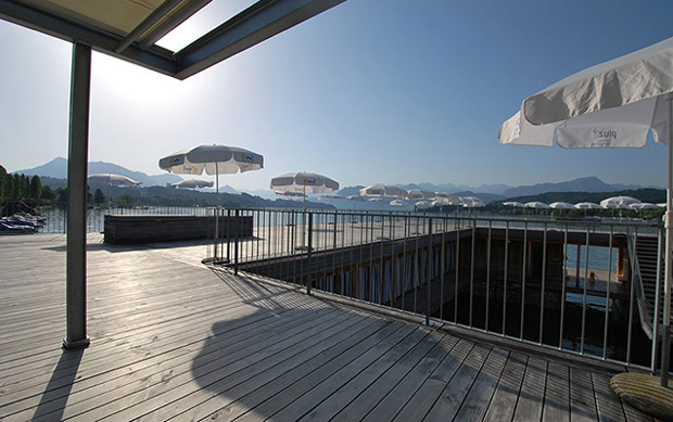 Seebad, para pegar sol e mergulhar no lago Lucerna no Verão