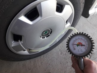 how-to-make-a-tire-pressure-check