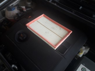 how to replace car air filter-skoda and other cars-despairrepair.com