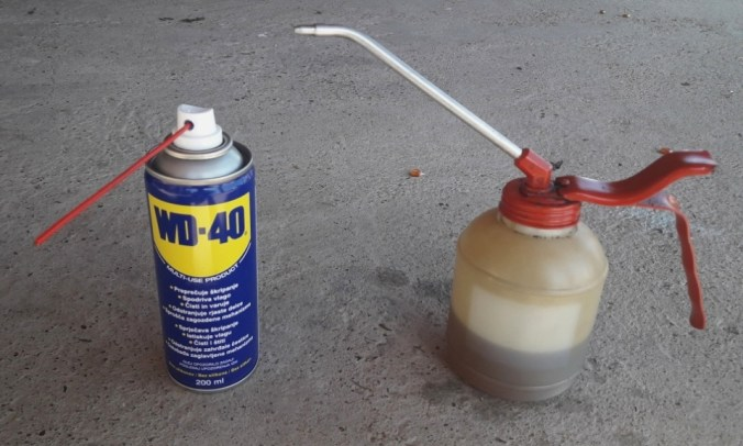 wd-40-oil-can-with-engine-oil-lubricate-ignition-lock-cylinder