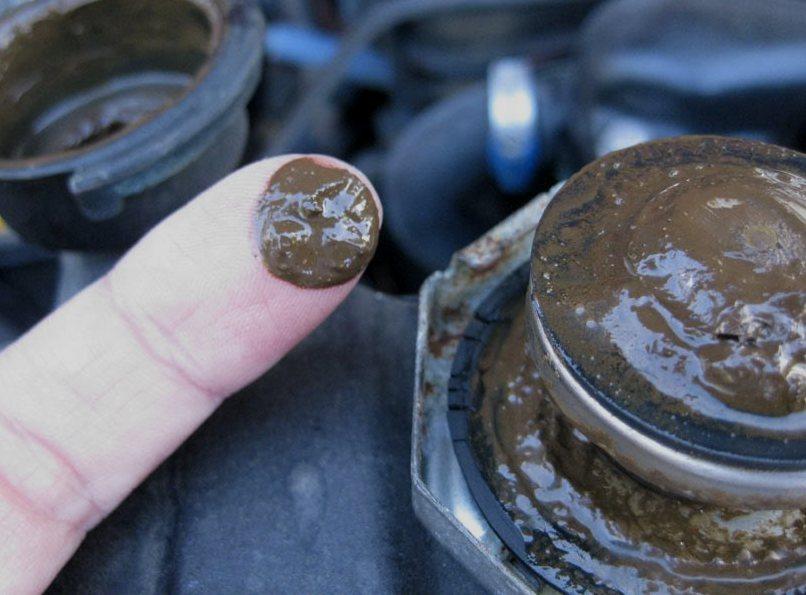 oil-coolant-mixture