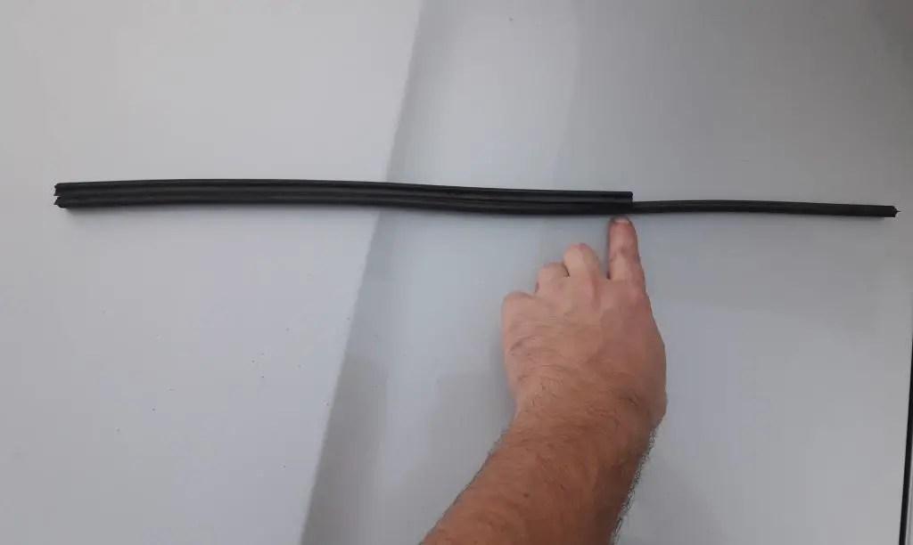 wiper-refill-measuring-proper-length