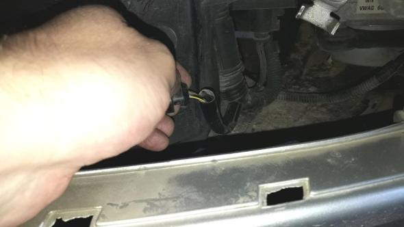 15-most-common-car-electrical-problems-loose-broken-wire-connection
