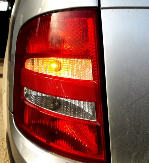 tail-light-bulb-check-it-works-after-replacing