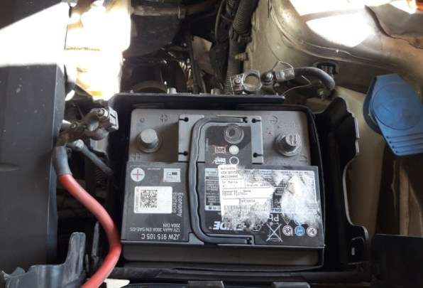 how-to-clean-battery-terminals-disconnect-car-battery