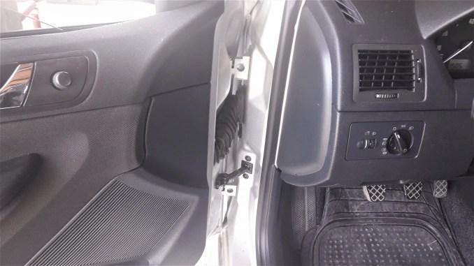 squeaky-door-fix-for-car