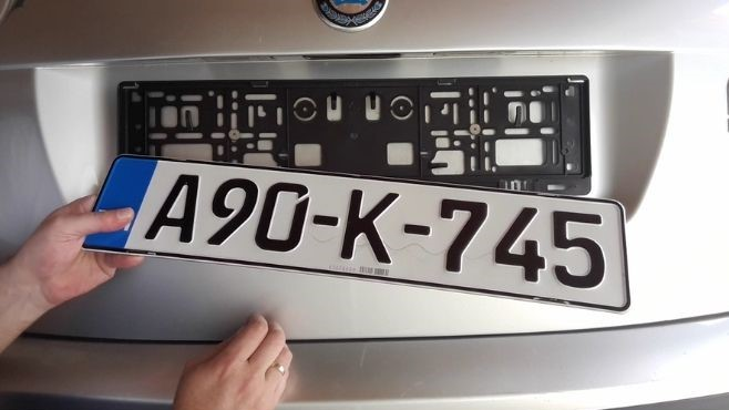 how-to-install-license-plate-frame-taking-off-license-plate-frame