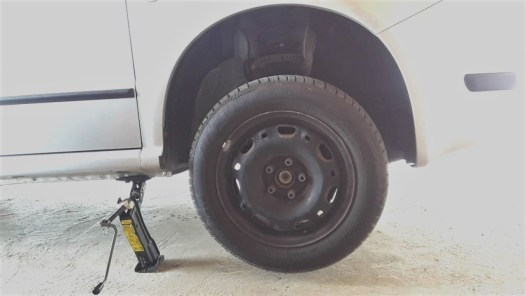 how-to-replace-a-sway-bar-link-jack-up-the-car