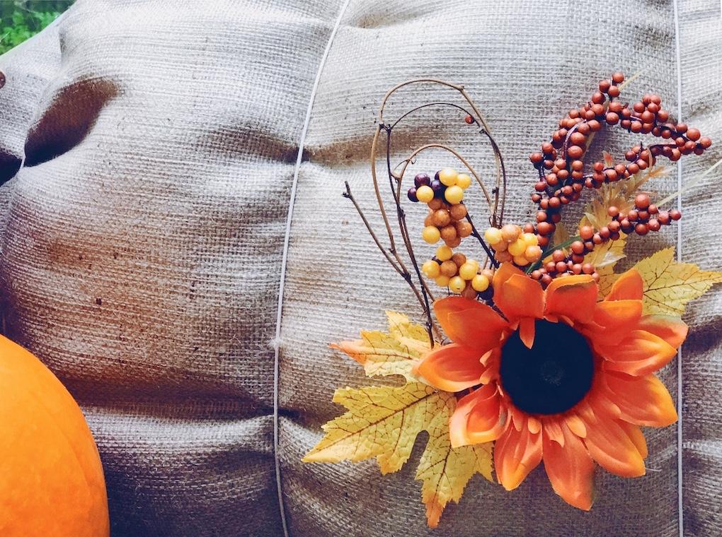 DIY Pumpkin Hoop perfect for fall home decorating via Desperately Seeking Gina