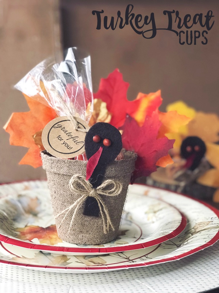 Thanksgiving treat cups make a great last minute table place setting or favor for dinner guests.