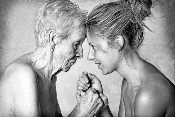 Mujer madre e hija mayor