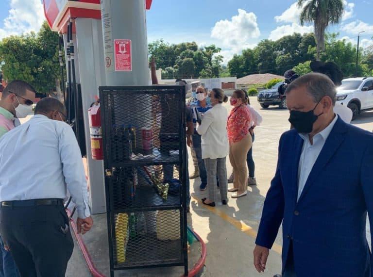 Abinader autorizó a Refidomsa control de tres estaciones de combustibles cerradas por caso Falcón