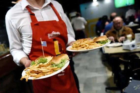 [Uruguay] Exoneración y ampliación del uso de veredas para bares y restaurantes