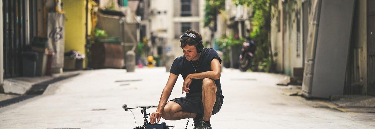 Sentarte en el suelo (y no en silla) podría acabar con tu dolor de espalda – Blog Despierta y Entrena