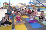 Yoga en la playa - Caja Los Andes