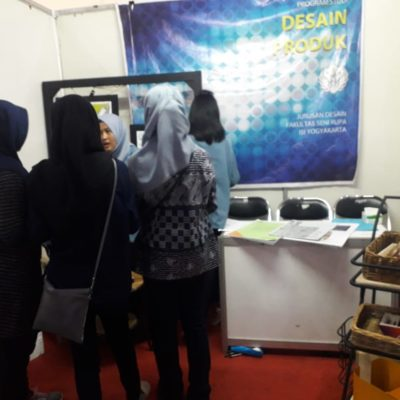 "Stand Despro ISIYK di Event ""Padmanaba Science Tech Week 2018"""