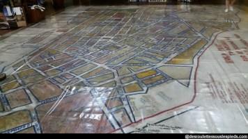 le plan du quartier sur le sol