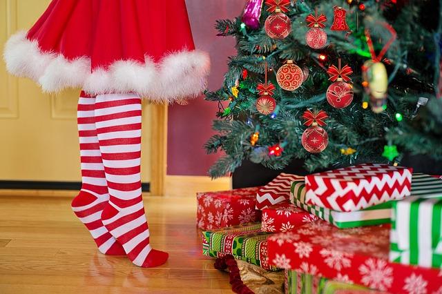 cadeaux-au-pied-du-sapin