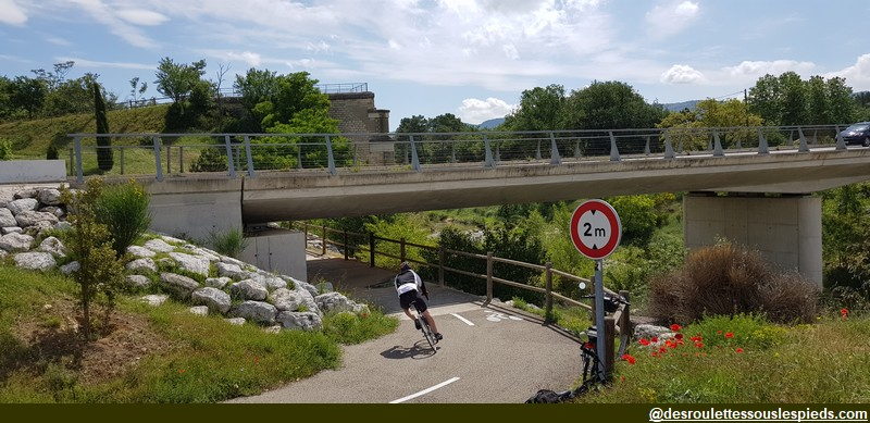 cycliste veloroute calavon