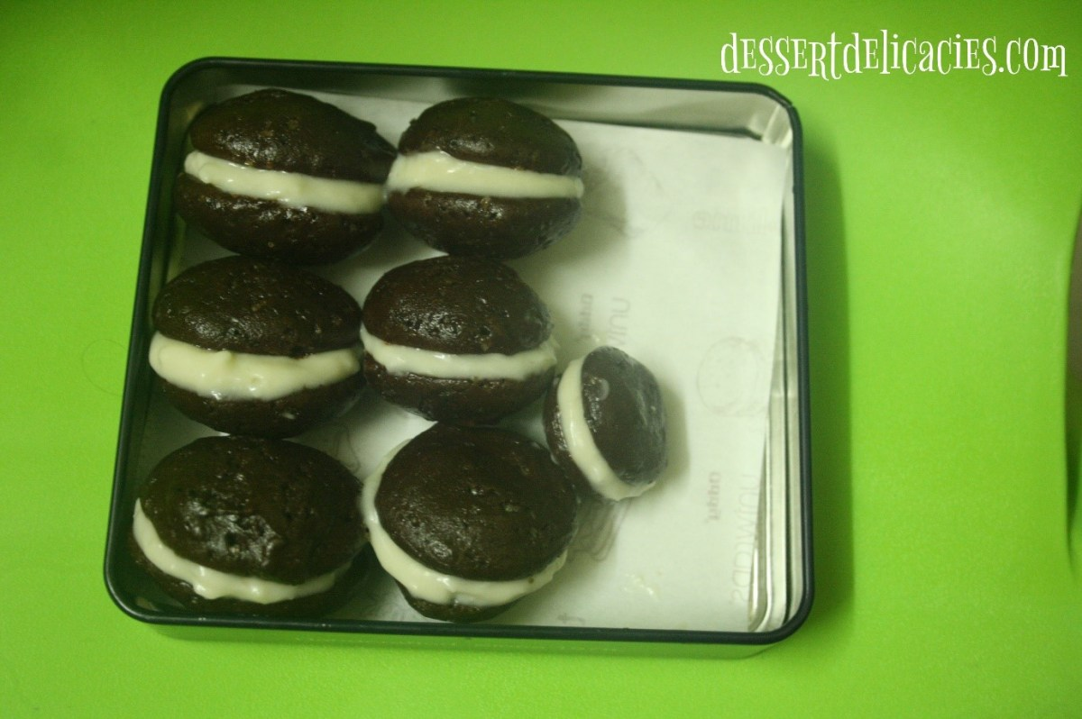 Whoopie Pie with vanilla cream cheese frosting