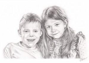 Portrait dessin d'après photo d'enfants frère et sœur en noir et blanc