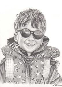 Portrait dessin d'après photo de vacances d'un petit garçon avec ses lunettes de soleil