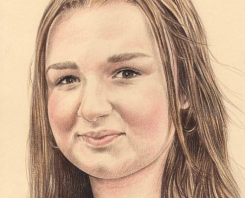 Portrait dessin d'après photo d'une jeune fille souriante aux cheveux longs