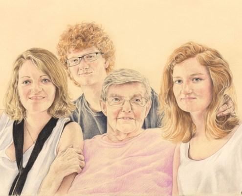 Portrait dessin d'après photo d'une grand-mère et ses petits enfants en couleur