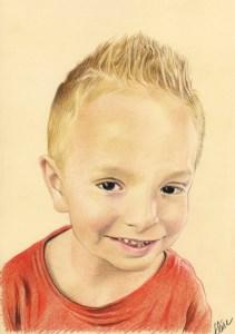 Portrait dessin d'après photo d'un petit garçon blond souriant