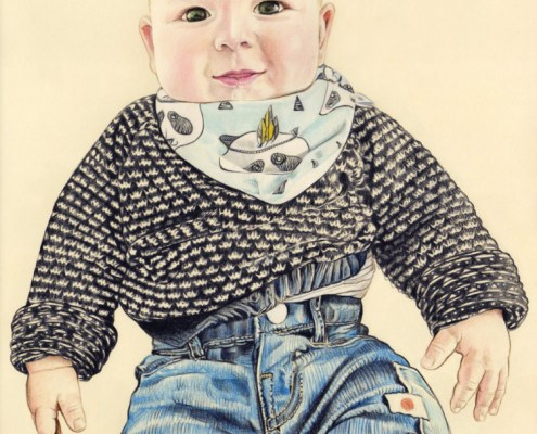 Portrait dessin d'après photo d'un bébé habillé en couleur