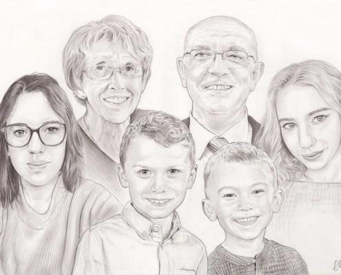 Portrait dessin d'une mamie et d'un papi avec leurs petits enfants