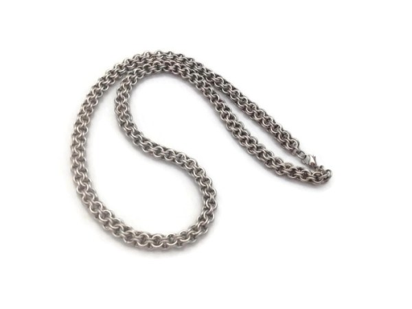 Inverted Round Chainmaille Necklace by Destai