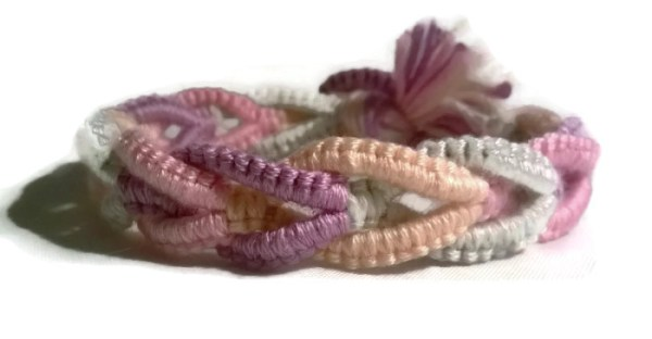 Macramé Friendship Bracelet by Destai