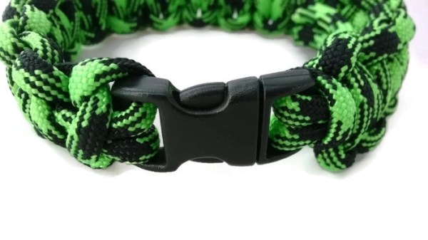 Paracord Bracelet by Destai