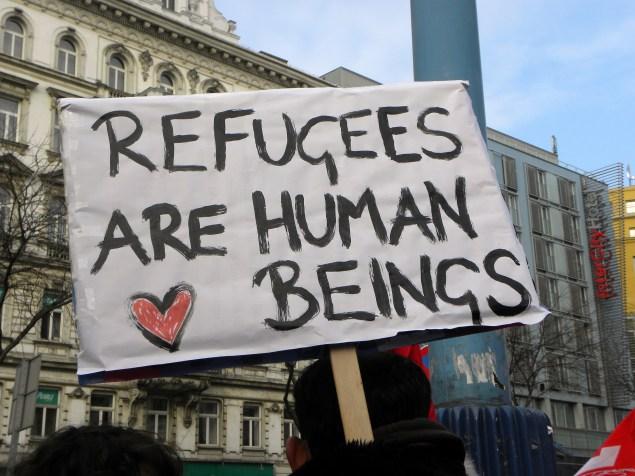 2013-02-16_-_wien_-_demo_gleiche_rechte_fc3bcr_alle_refugee-solidaritc3a4tsdemo_-_refugees_are_human_beings