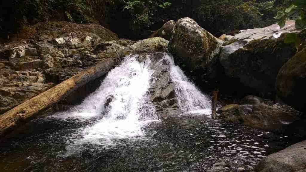 Wisata air terjun di kalimantan tengah - air terjun Bitah Samba