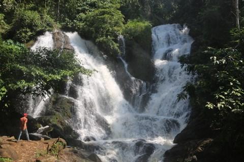 Destinasi Wisata Muara Enim : Air Terjun Napal Lintang