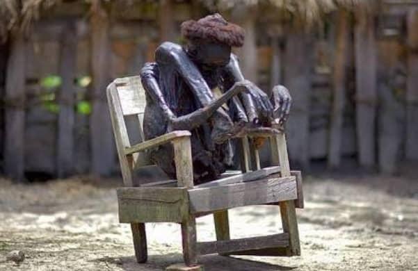 Tradisi unik  di papua, mumi