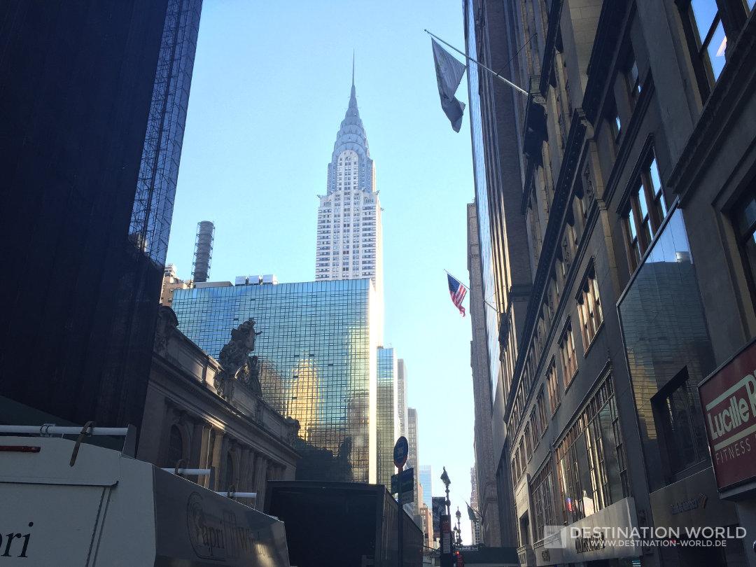 Blick entlang der Grand Central Station auf das Chrysler Building