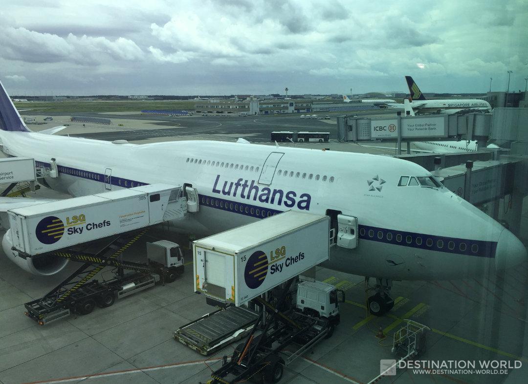 Die Lufthansa B747-8 im Retro-Look. Die Business Class ist sowohl im Ober- als auch im Hauptdeck