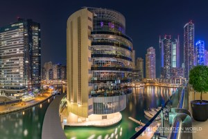 Der Restaurant-Tower Pier7 in der Dubai Marina