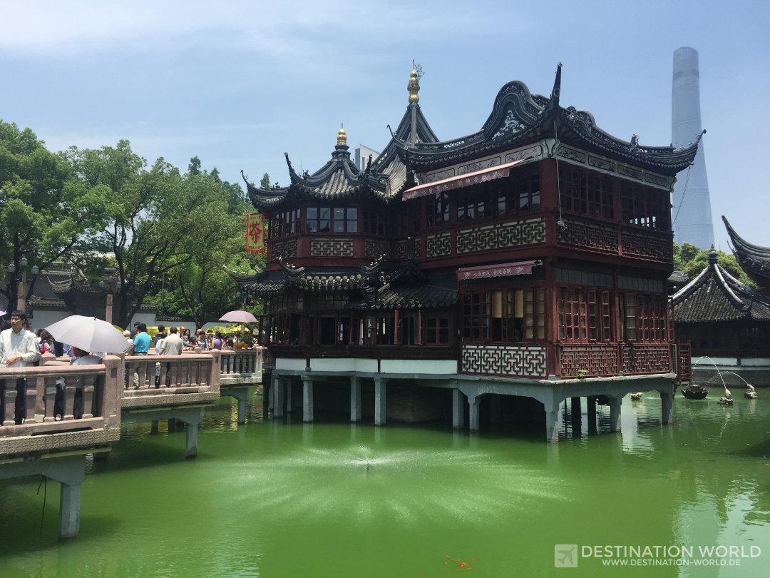 Das Yu-Yuan-Teehaus neben dem Yu-Yuan-Garden ist eines der touristischen Highlights in Shanghai