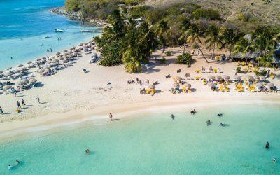 Excursion en bateau à Saint-Martin à la découverte de plages et d'iles paradisiaques