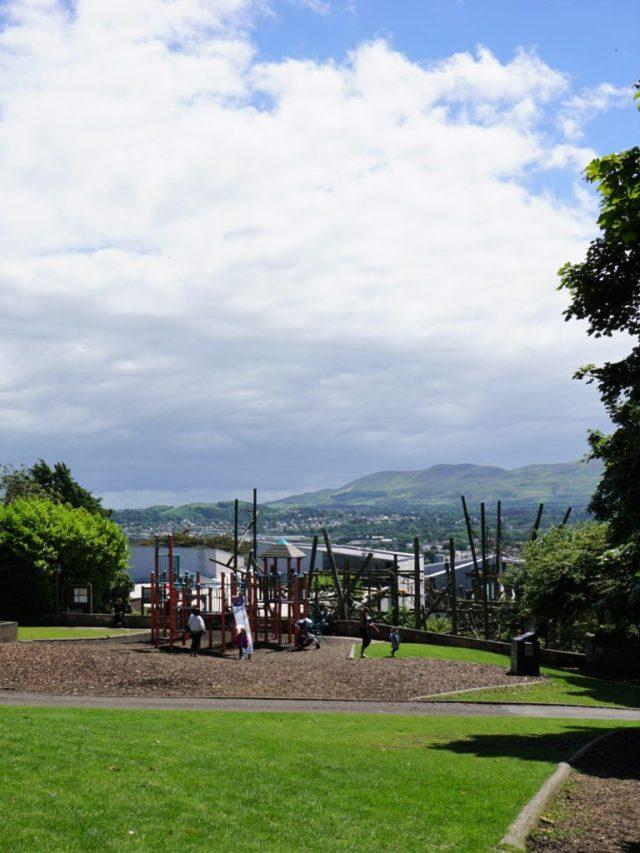 Legeplads med udsigt i Edinburgh Zoo