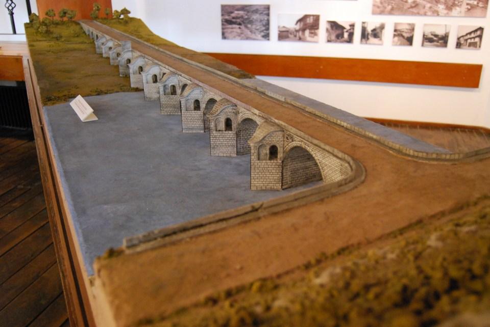Мостът над р. Янтра до Бяла
