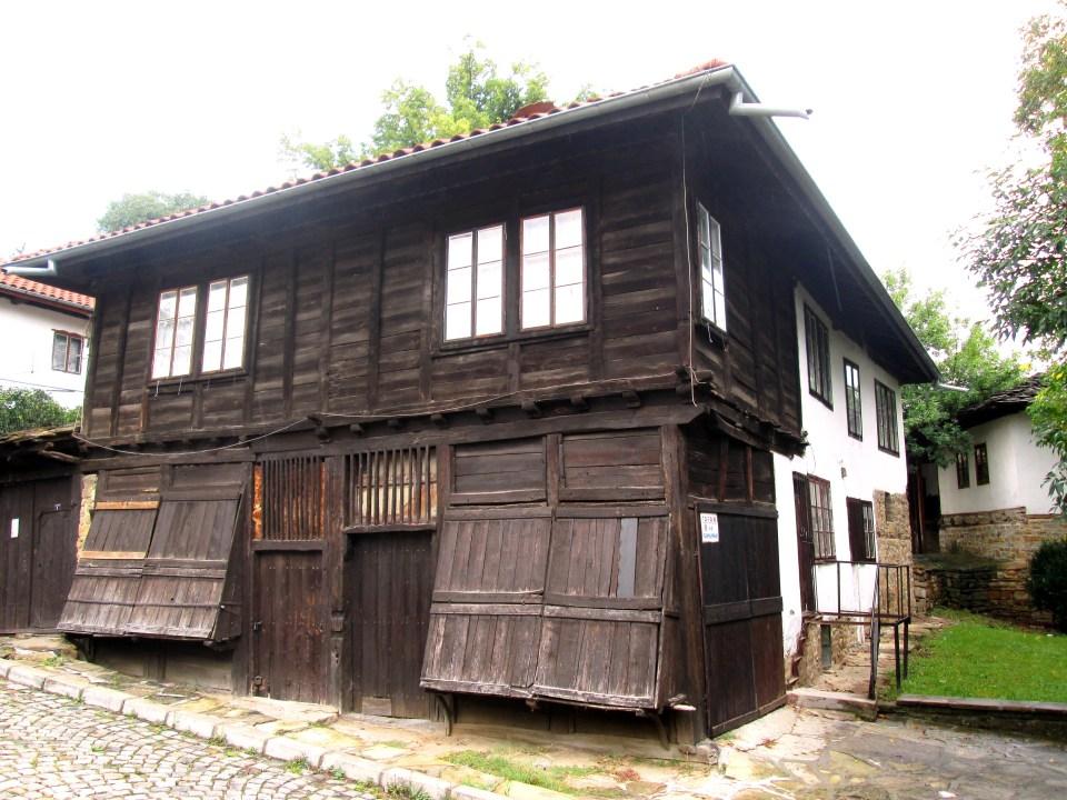 Възрожденски къщи - Вапцаровата къща