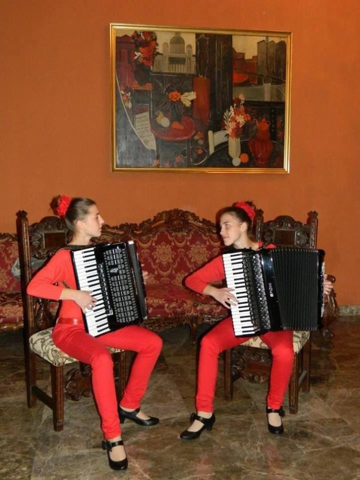 Дарена и Мария 1