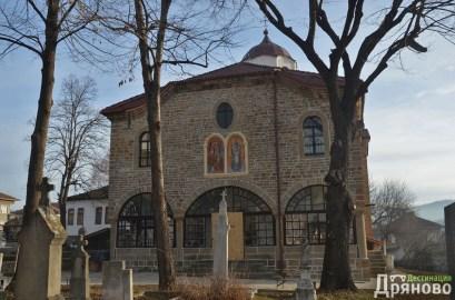 Храм Въведение Богородично - ремонтиран 2
