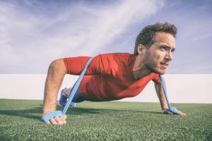 Les avantages de l'entraînement avec bandes élastiques pour le fitness