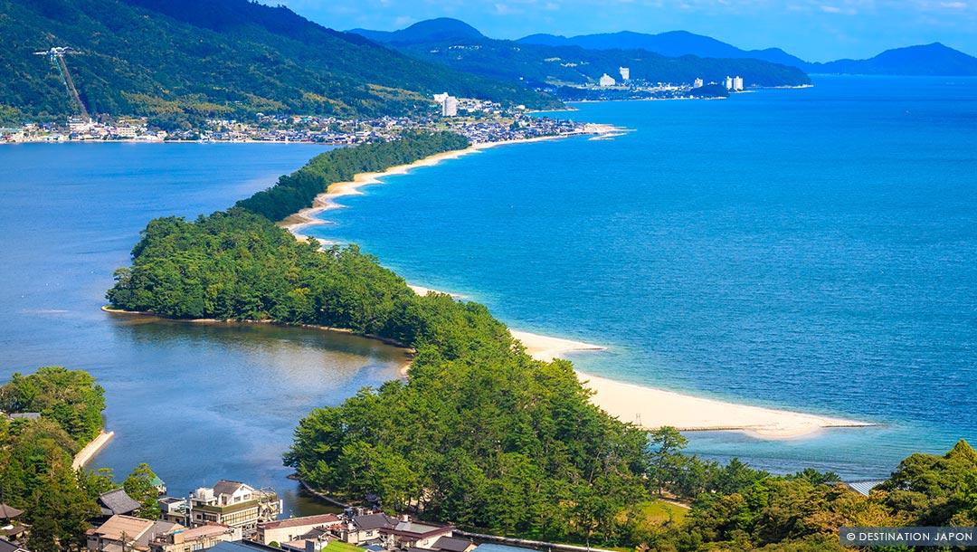 """Baie d'Amanohashidate et le """"pont dans le ciel"""""""